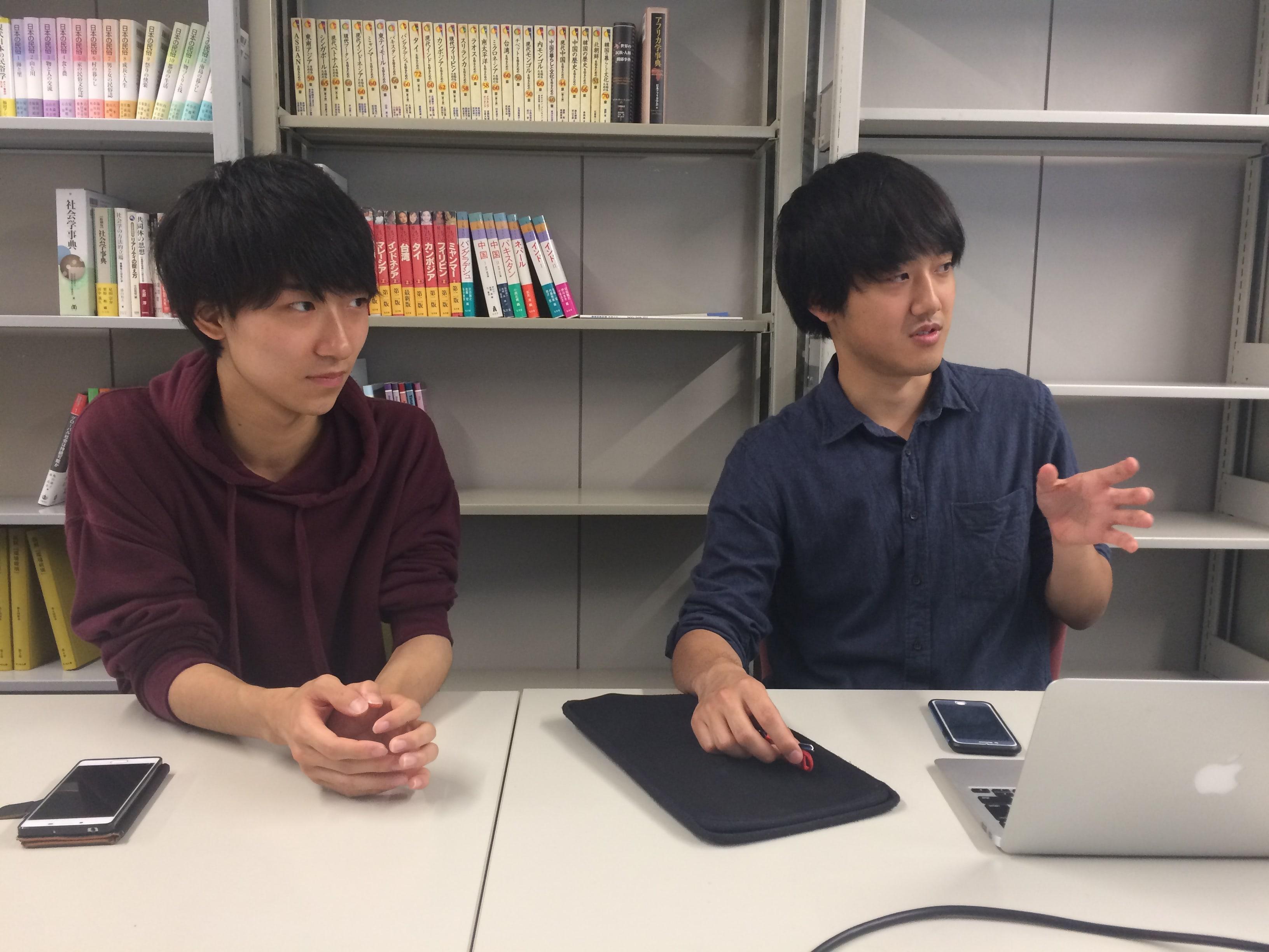 Stock(ストック)インタビューゼミ生の髙橋さん(学部3年生)・小林さん(学部3年生)写真